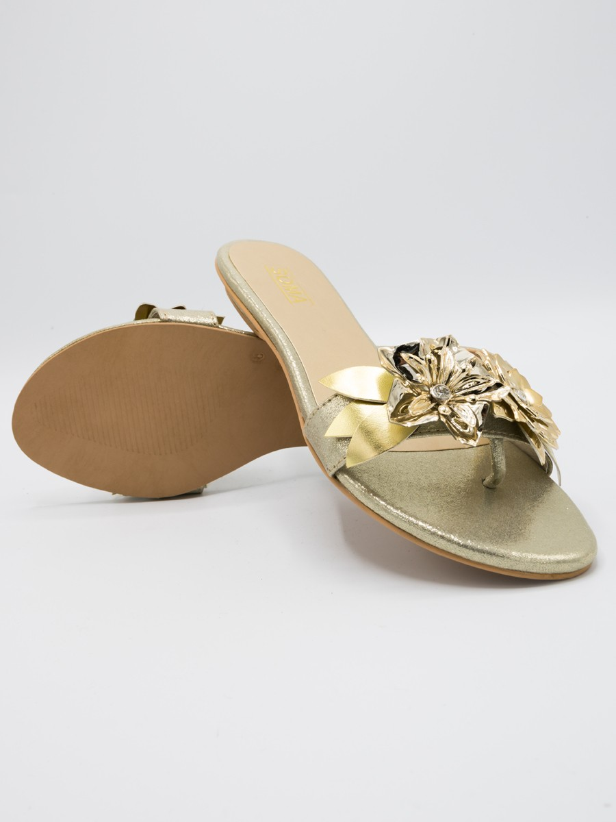 Lily flat in gold
