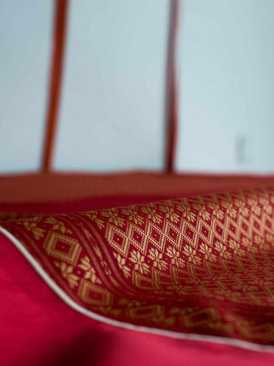 Yaqot e Resham Bed sheet