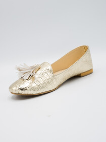 Links gold loafer
