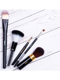 Mistine Beauty Foundation Brush