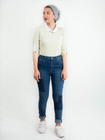 SHIRT WITH EMBELLISHED COLLAR