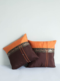 Shaahi Bakhat B Cushion Cover
