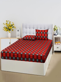 Chequered Maroon Bed Sheet With Two Pillow Covers