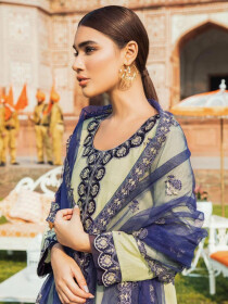 Kaasni by Panache Embroidered Tarkashi Lawn Unstitched 3 Piece Suit.