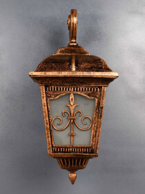 Traditional Outdoor Entrance Wall Light